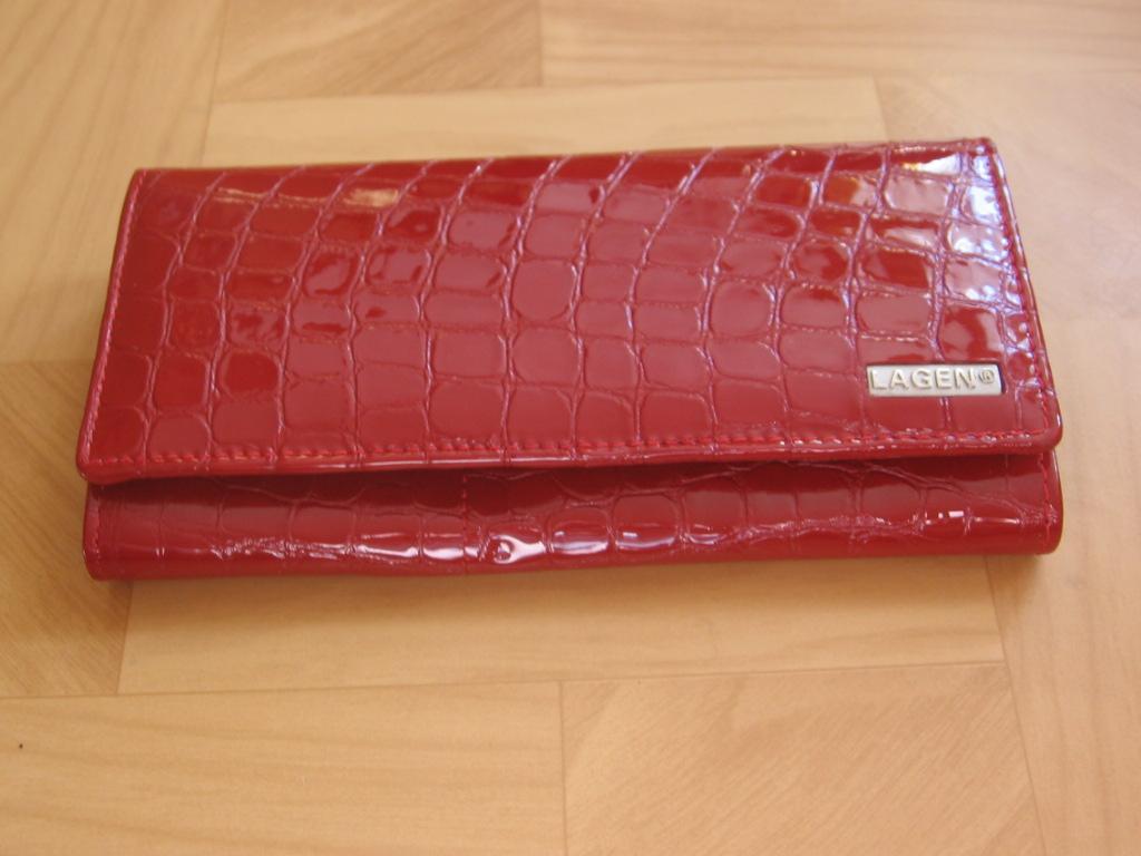 Luxusní dámská kožená peněženka Lagen V 102,tmavě červená,poštovné zdarma