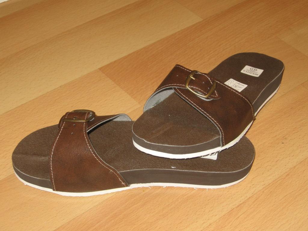 Zdravotní pantofle pánské hnědé
